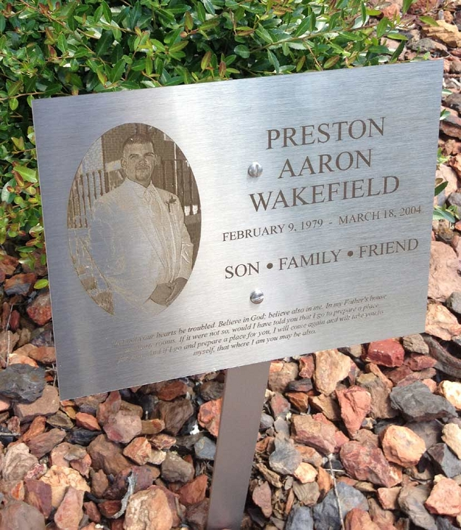 Ideal 6X8 Stainless Steel Dedication/Memorial Lawn or Garden Sign AF42