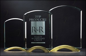 Arch Series Glass Award with Gold Metal Base 6