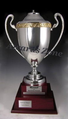 LARGE CHAMPIONSHIP ITALIAN TROPHY CUP